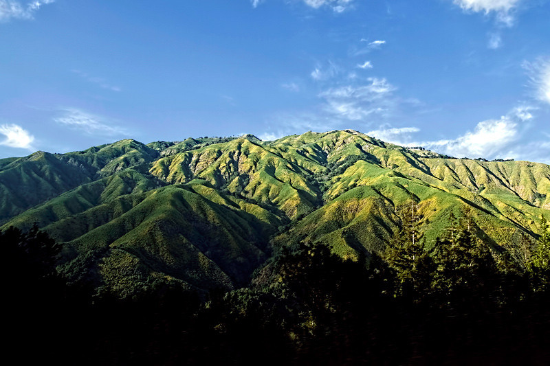 A beautiful view of the Santa Lucia Mountain range. The Santa Lucia Mountains or Santa Lucia Range is in coastal California, running from Monterey southeast for 105 miles (170 km) to San Luis Obispo.